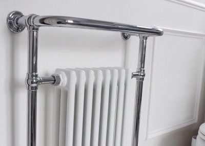 17 - Bathroom - Radiator long
