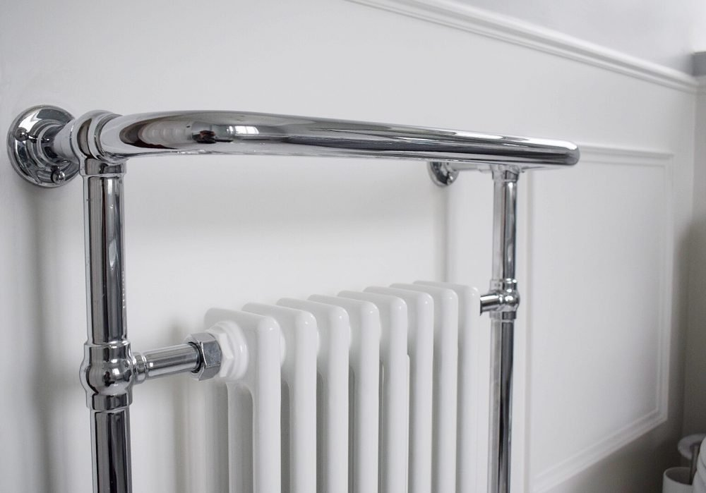 17 - Bathroom - radiator