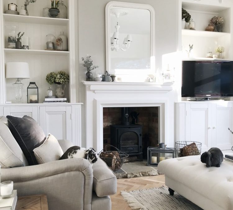 Living Room Makeover: LIVING ROOM MAKEOVER